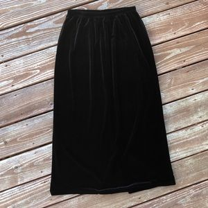 vntg notations black maxi velvet skirt